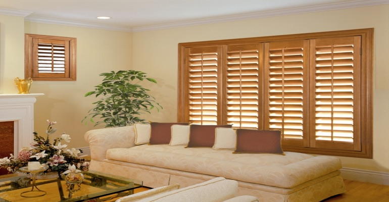 wood shutters Kingsport parlor