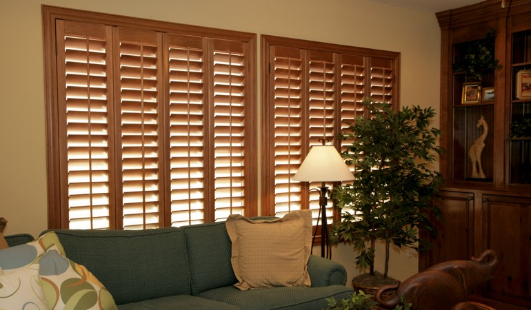 How To Clean Wood Shutters In Kingsport, TN